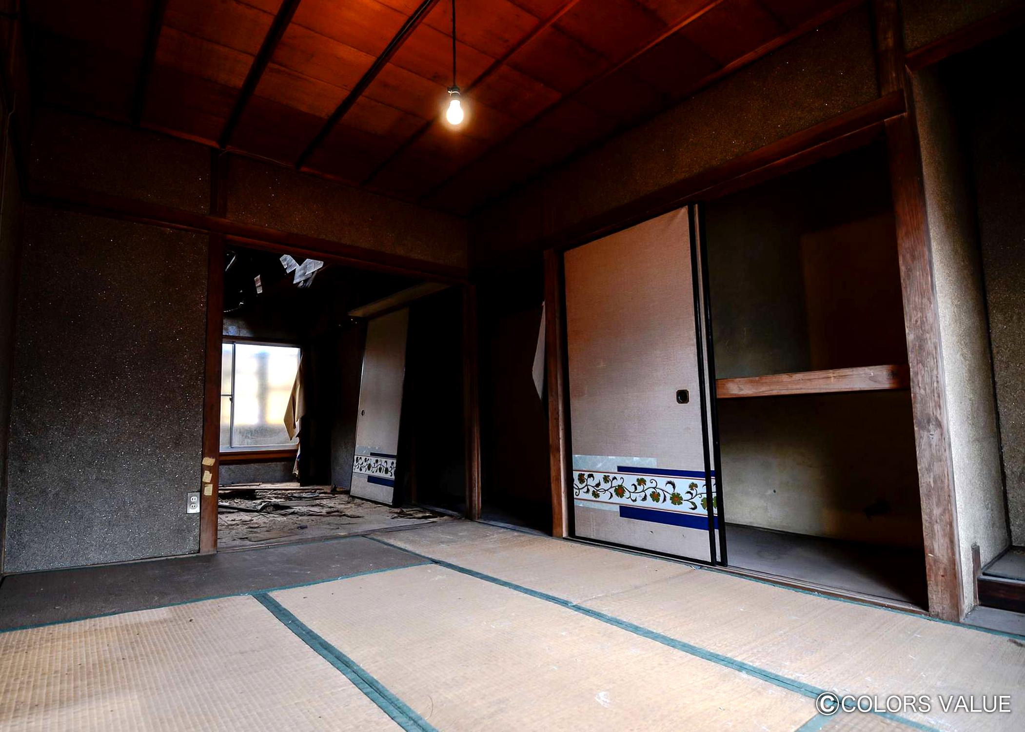 20年間雨ざらしで放置された元薬局店舗が駐車場付きの住み心地抜群の2DK戸建に大変身_07